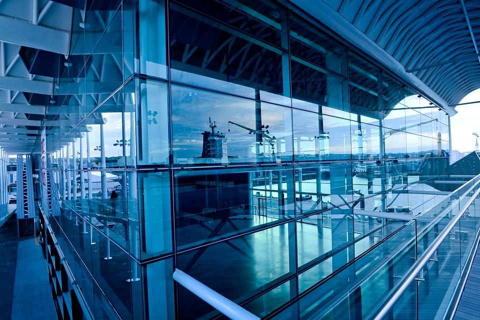 airport-2178606_960_720