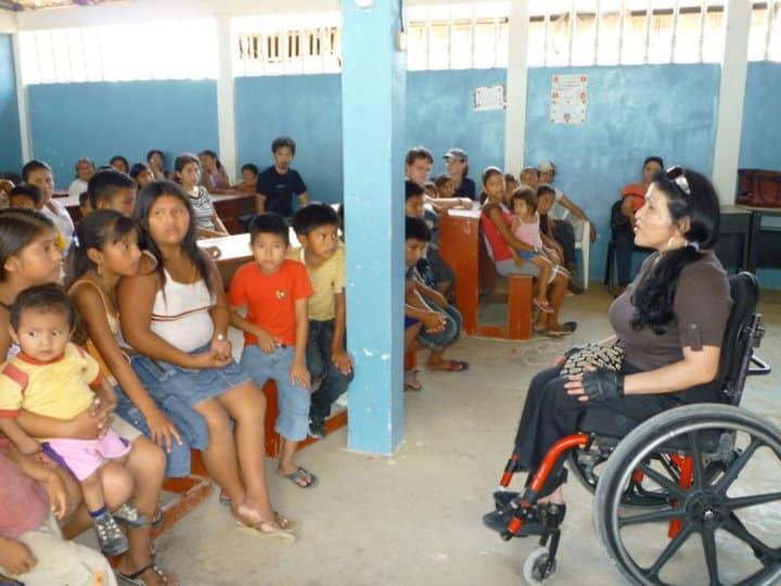 zully with children in Ecuador
