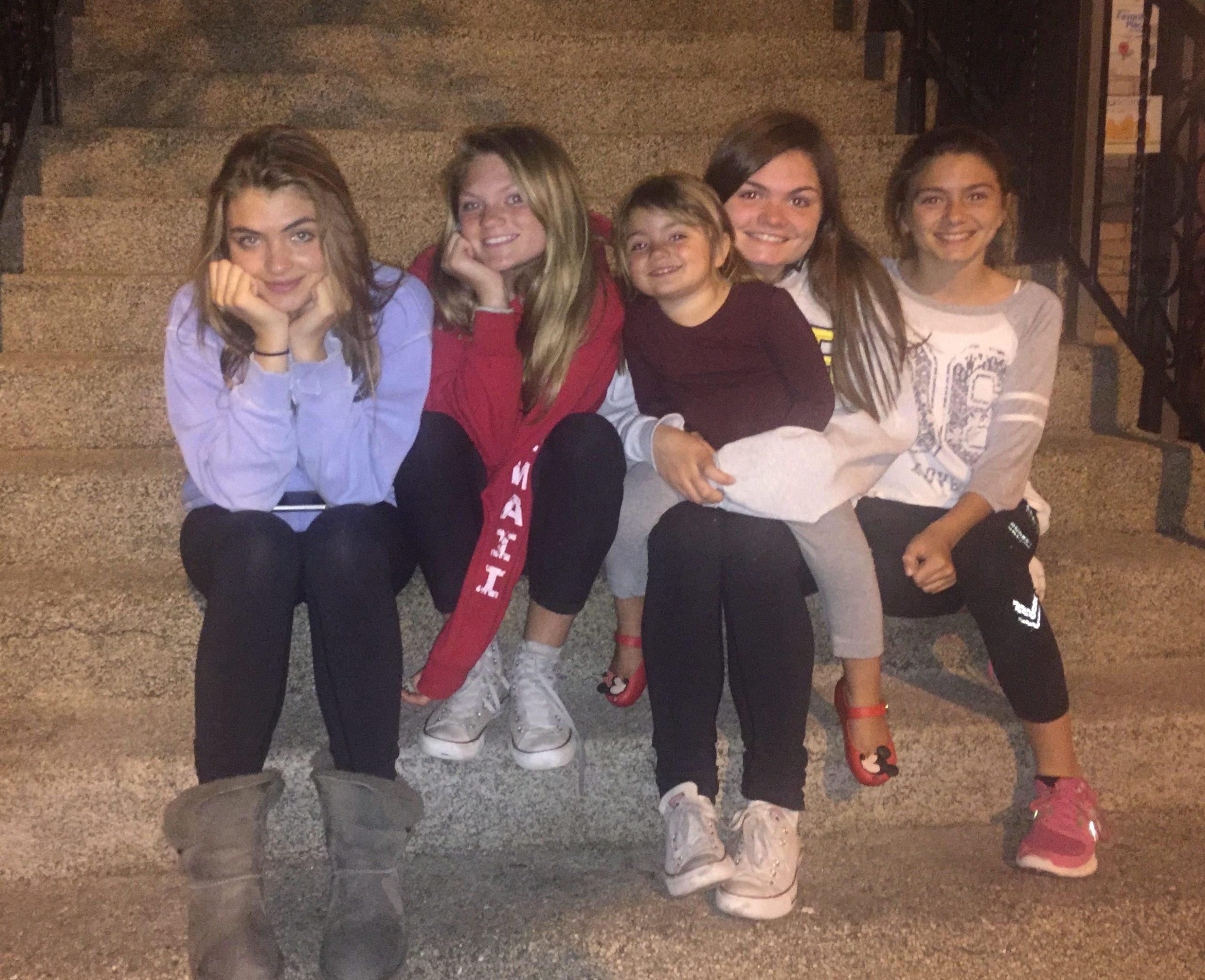 Five Ross daughters