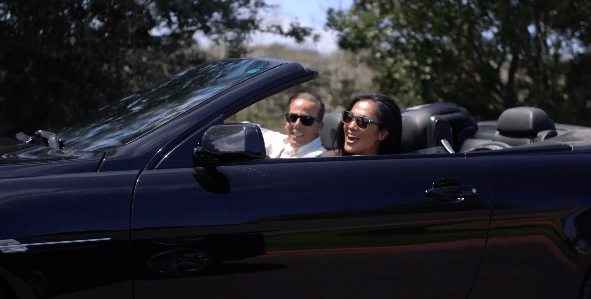 Hydred and Richie in convertible